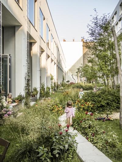 BIGYard, Berlin (2010), Architekten: Zanderroth Architekten / Herrburg Landschaftsarchitekten